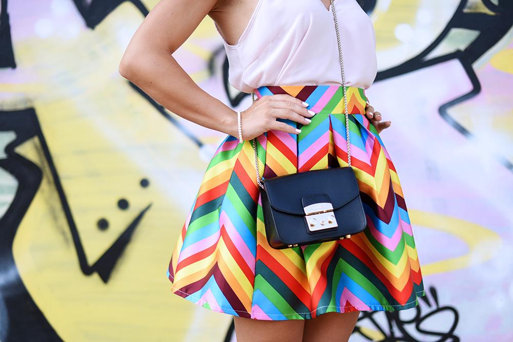 gonna a righe, sheinside Italia spedizioni, striped skirt, Metropolis Furla prezzo, Furla Metropolis nera, outfit summer 2015 - fashion blogger It-girl by Eleonora Petrella