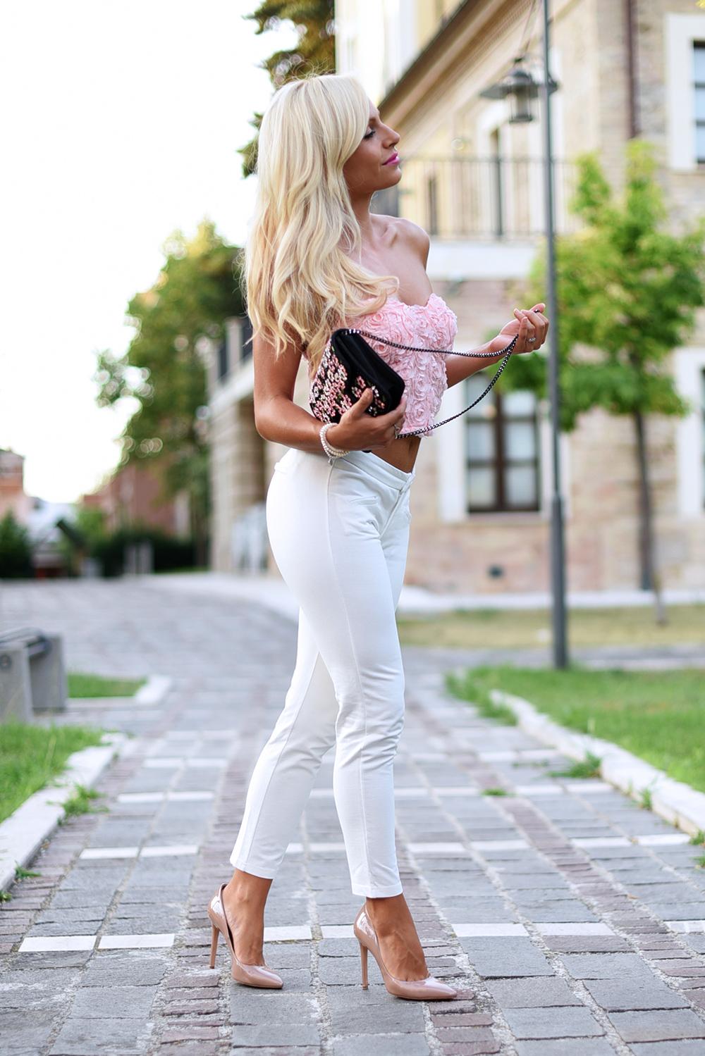 Lookbook Store abbigliamento spedizioni, LookBook store Italia affidabilità, how to wear white pants, come indossare i pantaloni bianchi, pantaloni bianchi outfit idea estate - fashion blogger It-Girl by Eleonora Petrella