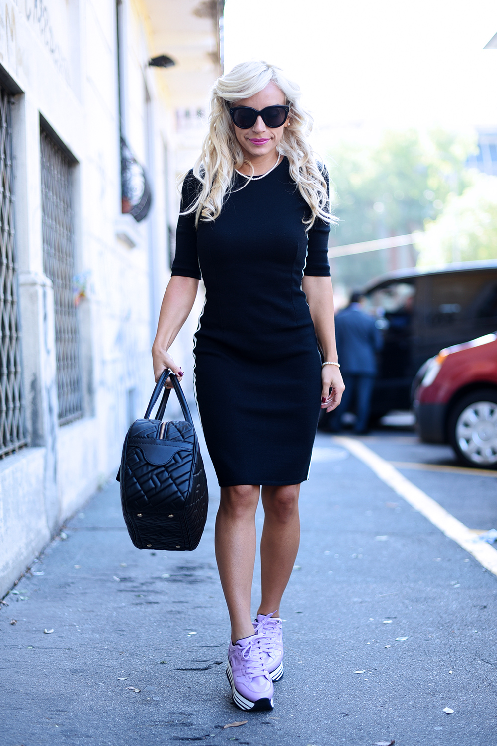 Hogan scarpe sneakers, Hogan H283, borse Hogan, how to wear a black dress, vestito con scarpe sportive da ginnastica - outfit Milan Fashion week fall 2015 It-Girl by Eleonora Petrella