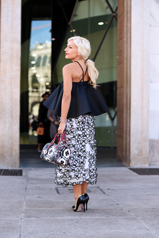 rcadia Bags borse, gonne lunghe, come indossare una gonna lunga, top nero, tendenze primavera 2016 - outfit fashion blogger It-Girl by Eleonora Petrella