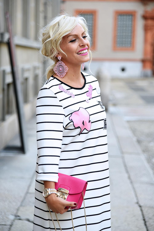Sijana collezione, vestiti a righe, vestiti Barbie, vestiti lunghi, come indossare gli abiti lung [...]</p> </div>  <div class=