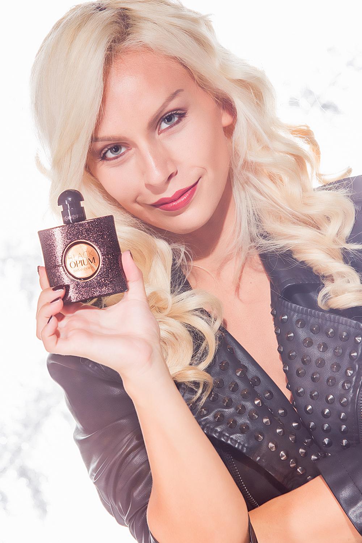 Black Opium Yves Saint Laurent, YSL Black Opium Eau de Toilette, nuova fragranza Yves Saint Laurent, beauty tips - blogger It-Girl by Eleonora Petrella