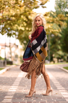 Suede fringed skirt fall 2015, gonna frange eco-camoscio autunno idee outfit - It-Girl by Eleonora Petrella