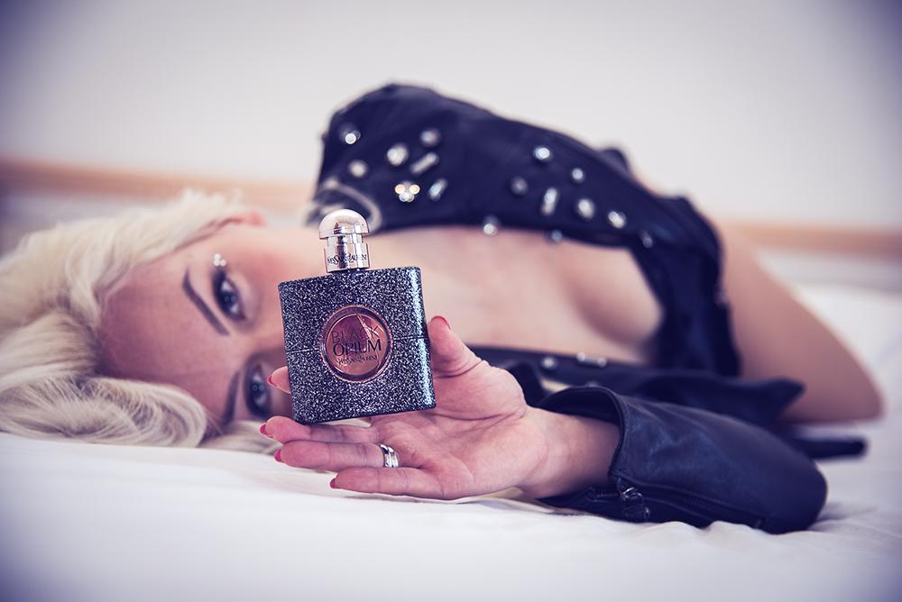 Black Opium Nuit Blanche Yves Saint Laurent - It-Girl by Eleonora Petrella