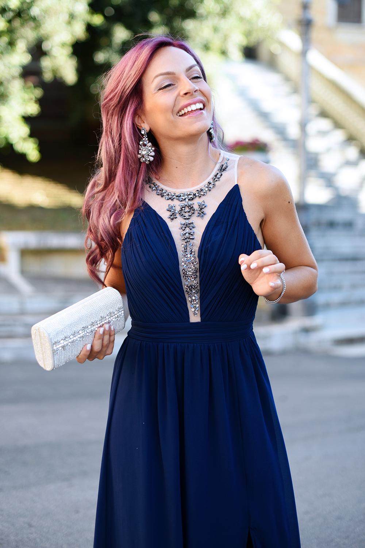 quality design 63fb5 40e27 Matrimonio di sera: il vestito lungo è OK, anche in blu scuro!