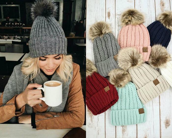2---scegli-un-berretto-di-lana-bianco,-nero-o-colorato-anche-con-il-pon-pon
