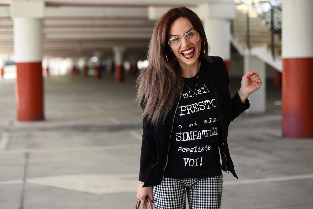 T-Shirt e tacchi: chic e spiritosa con IRONIC! HAPPINESS IN MY SHIRT