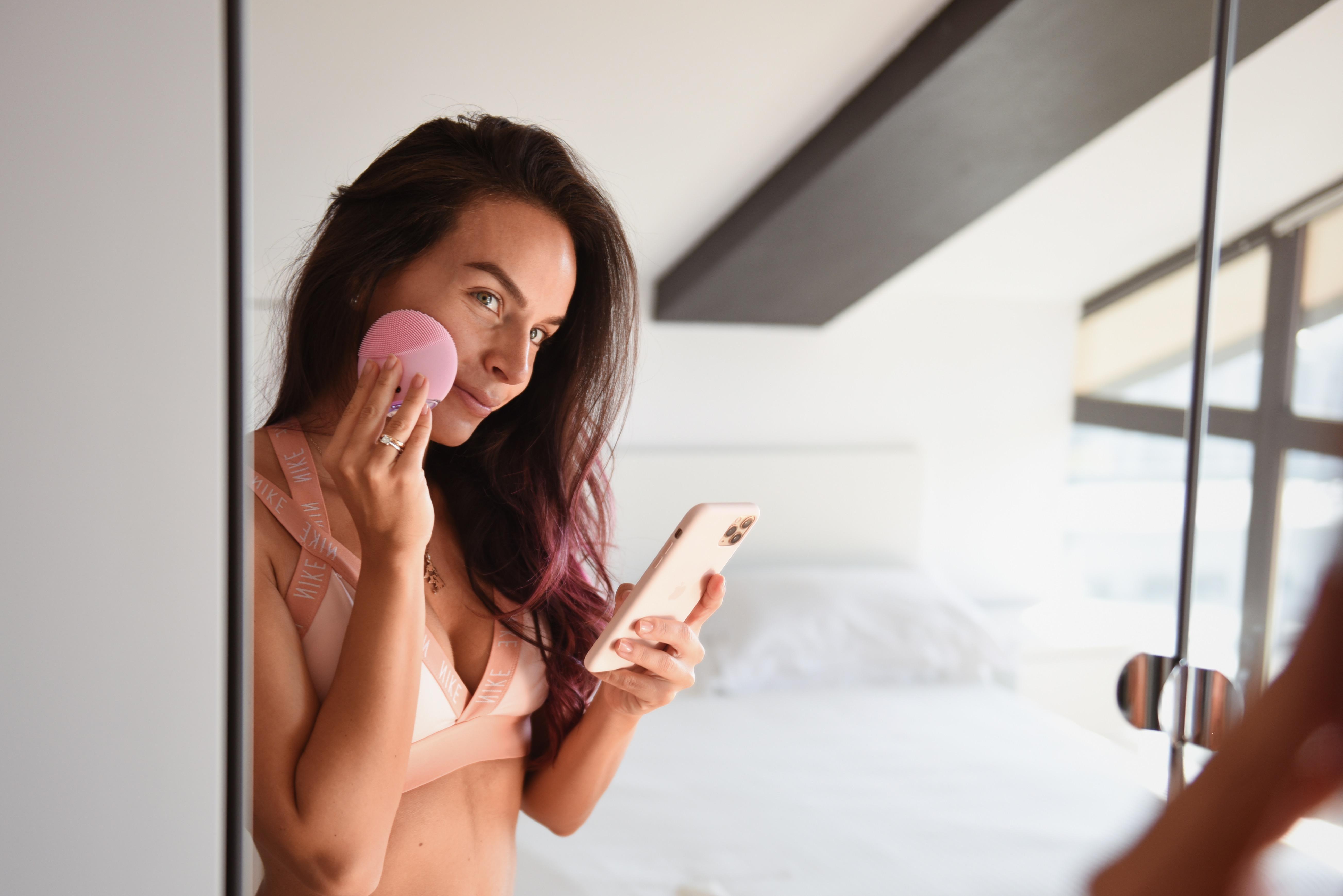 Recensione del massaggiatore elettrico per il viso FOREO LUNA mini 3 Pearl Pink, FOREO For You app per smartphone